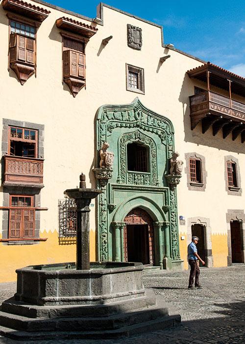 Dernière escale avant l'Amérique. La Casa de Colon hébergea le navigateur en 1492 et en conserve le souvenir.