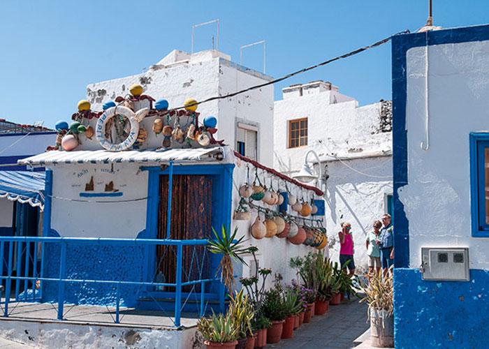 Au nord de l'île, le port de Las Nieves, pittoresque village de pêcheurs aux maisons colorées.
