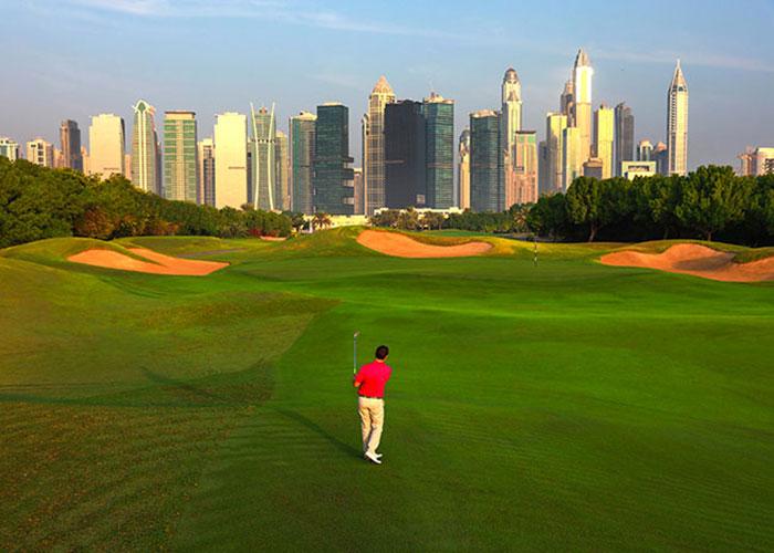 Avec la skyline de Dubai en point de mire, The Address Montgomerie symbolise un sport qui s'acclimate partout, parle toutes les langues et se prête facilement aux échanges corporate.