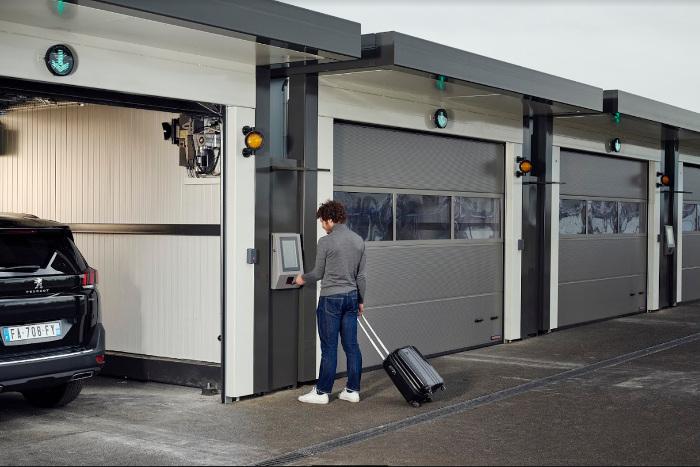 Le parking automatisé développé sur l'aéroport de Lyon doit accélérer le parcours voyageur tout en limitant l'impact sur l'environnement