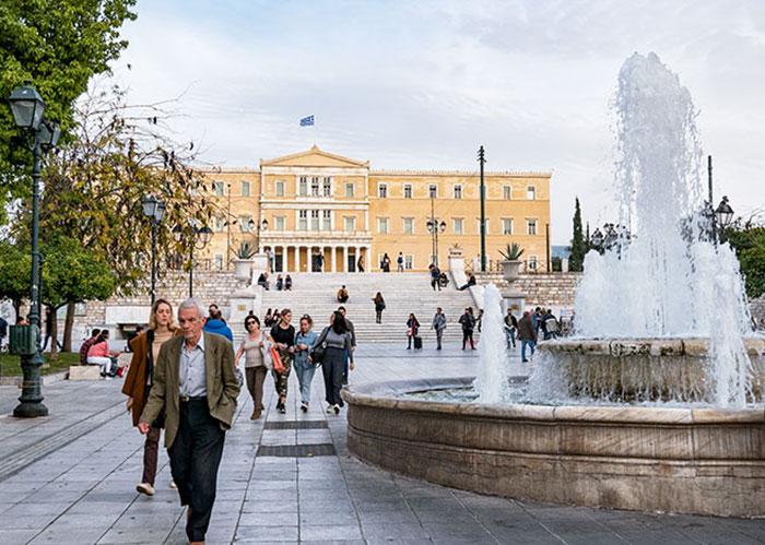 La place Syntagma, au cœur des affaires athéniennes