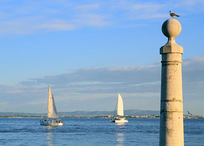 Le Tage a fait de Lisbonne une grande place commerciale. Aujourd'hui, la ville commence à écrire son nouveau roman-fleuve.