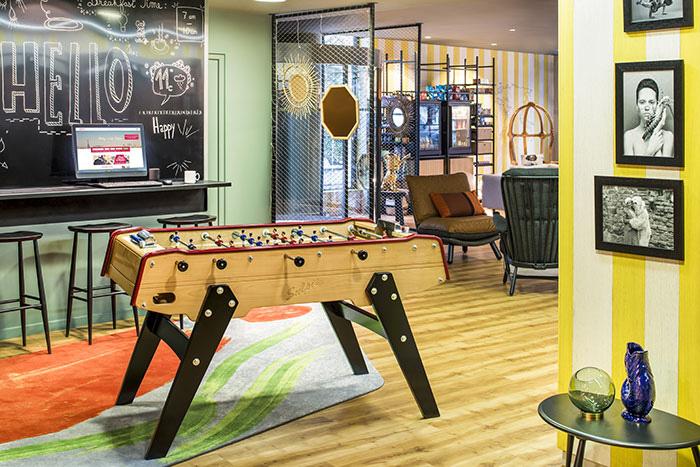 Adagio, avec son concept Le Cercle en cours de déploiement, entend aussi mettre de la vie dans ses lobbys. © Adagio Aparthotel
