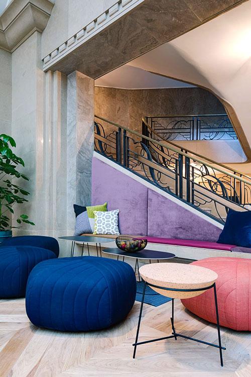 WeWork s'est installé à Paris en 2017 au 33, rue La Fayette (ici en photo). Il compte désormais quatre autres lieux dans la capitale, un marché clé pour le groupe américain autant pour ses opportunités d'affaires que pour son bassin d'entrepreneurs créatifs dans la mode, la technologie et le design. © DR