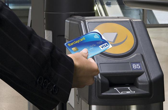 …carte Visa faisant office de titre de transport grâce au paiement sans contact.