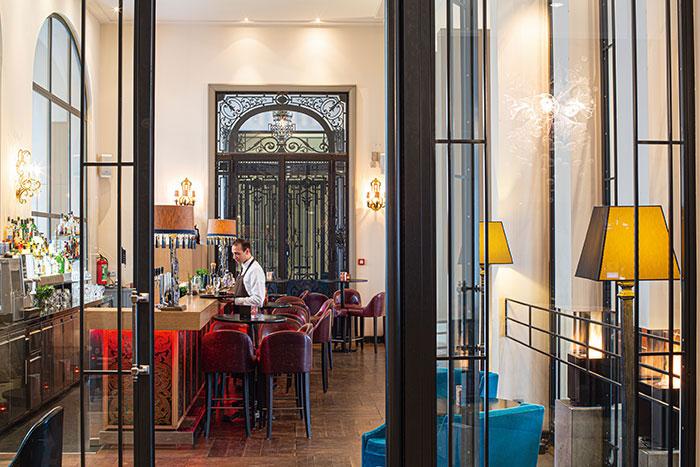 D'ancienne abbaye devenue l'atelier du peintre David au XIXe, The Dominican s'est reconverti en hôtel design.
