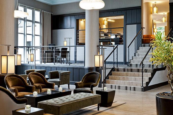 Avec deux hôtels à Enghien, le groupe Barrière peut organiser des privatisations agrémentées d'activités originales en bord de lac. Ici l'hôtel du Lac © Groupe Barrière