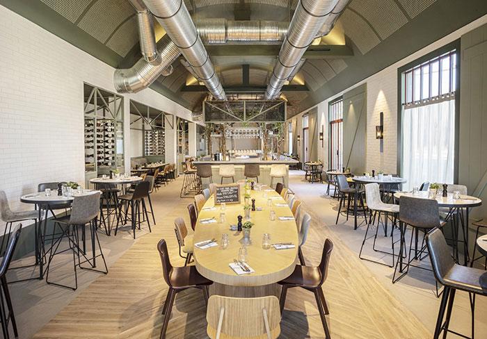 Destination phare des événements au grand vert, Chantilly vient d'accueillir un Hyatt Regency, au sein d'une usine de papier réhabilitée. © Hyatt