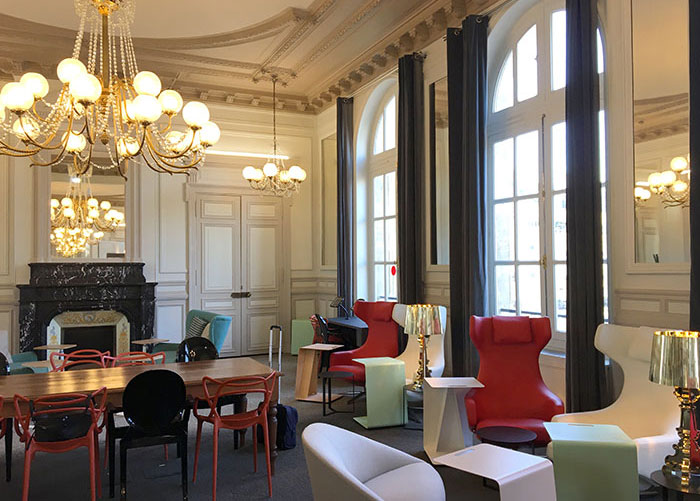 Un cadre Napoléon III, une atmosphère cosy, des sièges design : le salon Grand Voyageur de la gare du Nord a été rénové en 2017. Son gestionnaire, Regus, dispose aussi d'un centre d'affaires très équipé juste à côté.© SNCF