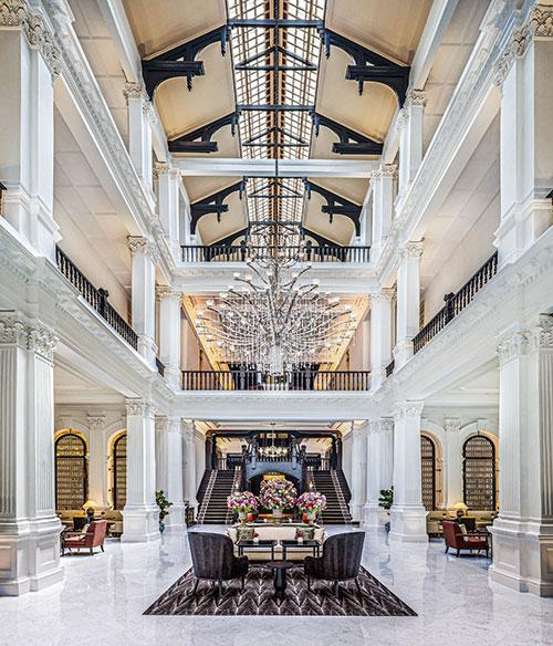 Sublimé par une récente rénovation, le mythique Raffles de Singapour participe à faire de Accor un groupe qui compte dans l'hôtellerie de luxe. © Production Ltd RALF TOOTEN