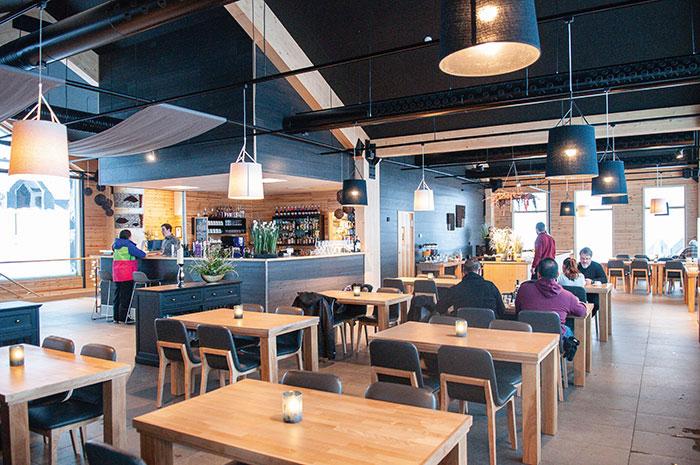 Chambres avec vue et restaurant supervisé par le chef étoilé Jouni Toivanen au Star Arctic Hotel.