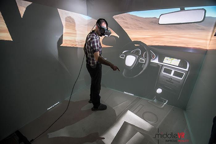 Avec des casques de réalité virtuelle comme outil de travail, les ingénieurs et designers s'immergent au cœur de leurs projets.