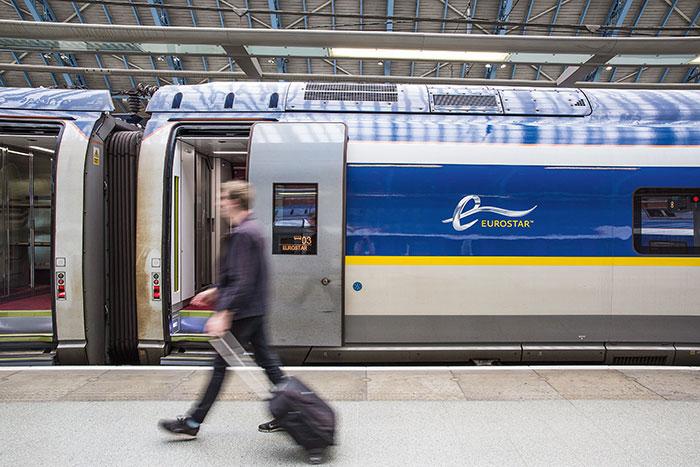 Eurostar et Thalys devraient fusionner à l'horizon 2021. Porté par la SNCF, actionnaire des deux compagnies, ce projet favorisera l'harmonisation des fréquences et une offre de services commune pour les voyageurs.© Eurostar