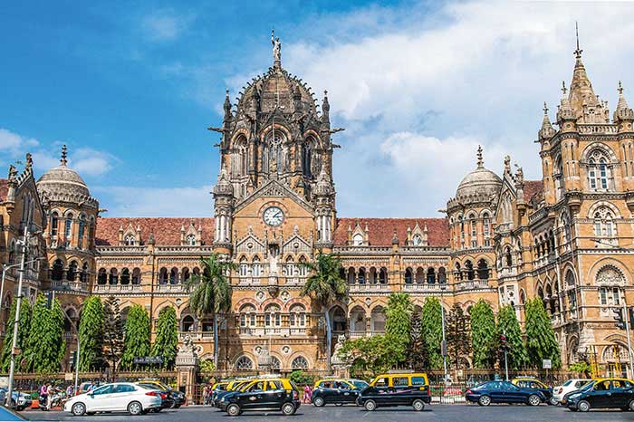 Mumbai - Un nouveau grand quartier d'affaires à Bandra Kurla, le poids de tout un sous-continent ultra dynamique côté high-tech, mais des transports bondés et une mégapole qui oscille entre richesse et insalubrité : l'attractivité de Mumbai est pleine de contrastes.© Alain Parinet