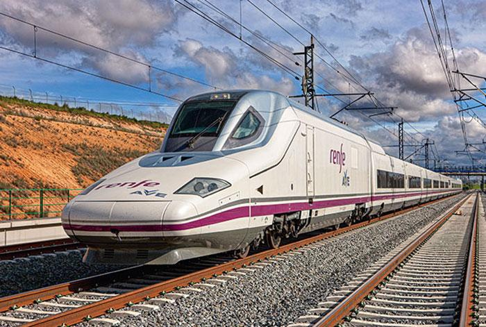 Renfe en France, SNCF en Espagne : chacune des compagnies lorgne sur le marché de sa voisine. © Patier