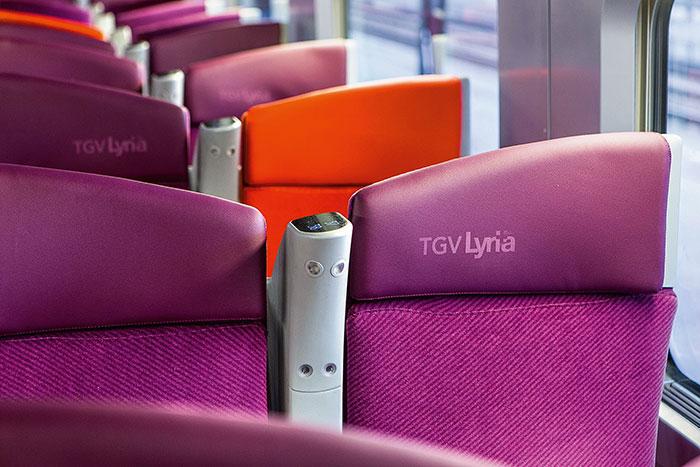 Afin de mieux lutter contre son principal concurrent, l'avion, TGV Lyria lance de nouvelles rames confortables et des dessertes plus nombreuses et cadencées.© Lyria