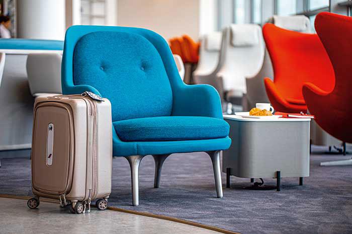 Les entreprises limitant toujours les déplacements, la reprise des voyages business reste timide (en photo, le lounge Air France à Washington).© AIR France