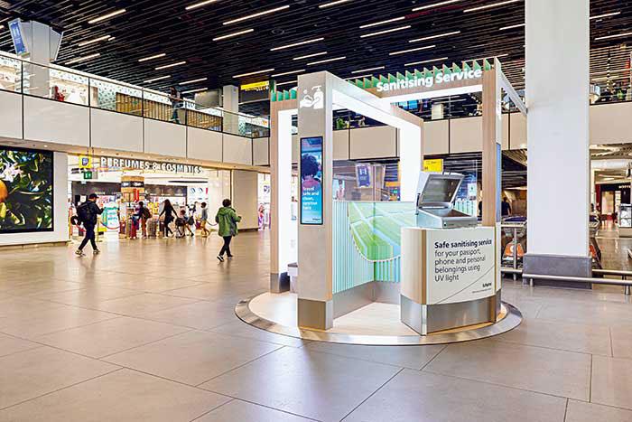 robots-amsterdam-schiphol