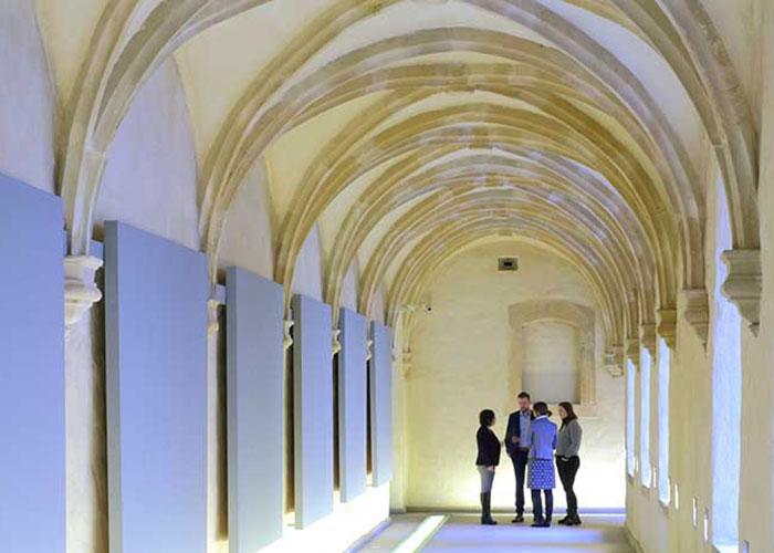 Au pied de la ville fortifiée de Luxembourg, classée à l'Unesco, l'abbaye de Neumünster est devenue un centre culturel et prête son cadre historique aux réunions business.
