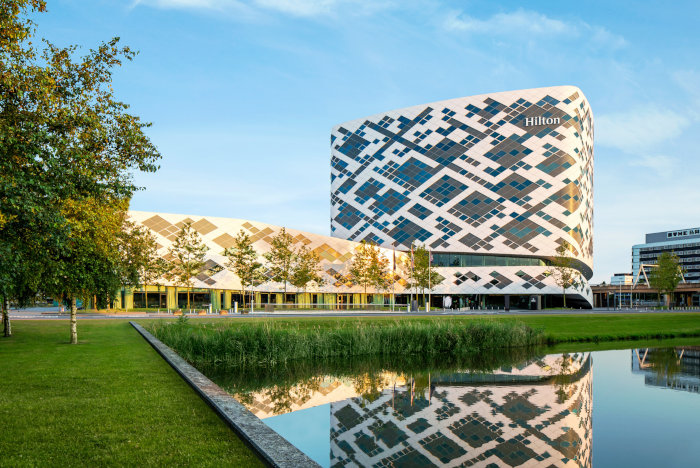 Hilton-Amsterdam-Schiphol-carbone