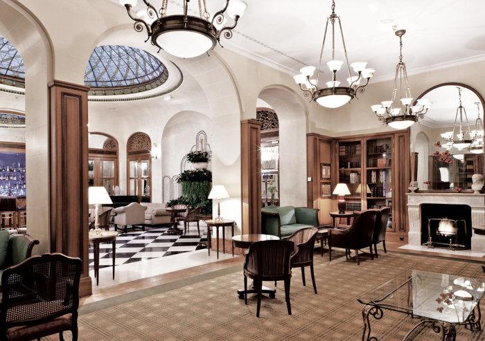 Lobby et lounge du M Social Hotel Paris Opéra.